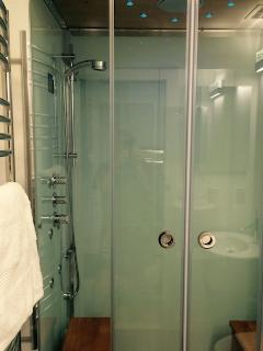 Built In Steam Shower for Two!