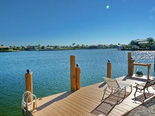 Waterfront house with mesmerizing views, heated pool and walk to beach