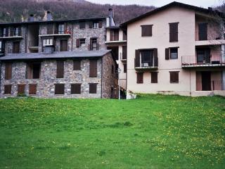 APARTAMENTO EN SESUÉ, A 14 KM. DE CERLER, Huesca