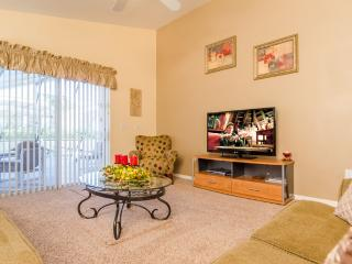 Arkvilla Family room with 50' Cable TV