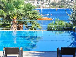 Bodrum Beachfront Apartments Family Suite 1084