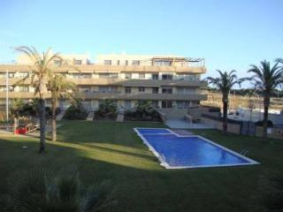 Apartment With Pool In Vilanova. HUTB-015176, Vilanova i la Geltru