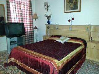 Room in a lovely typical Maltese house, Birkirkara