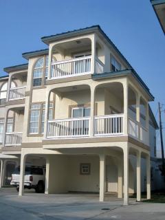 Lg. modern Townhouse in Laguna Beach