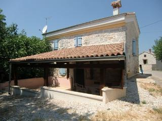 CHARMING HOUSE IN ISTRIA-CROATIA, Baderna