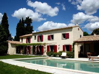 JDV Holidays, Villa St Fernandiere, Provence