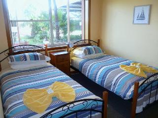 Alice Beside The Sea -  2 Bedroom  Apartment., Devonport