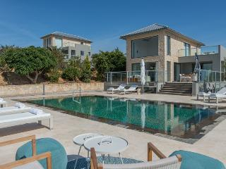Luxury Seafront Villas in Chania, La Canea