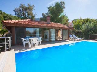 Honeymooners villa in Yakakoy Village with pool, Fethiye