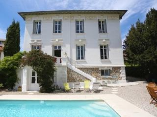Les Roses Blanches - Classic Villa in Central Cannes