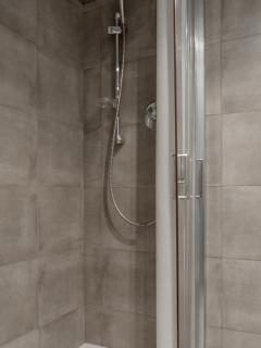 Shower bath Room 2