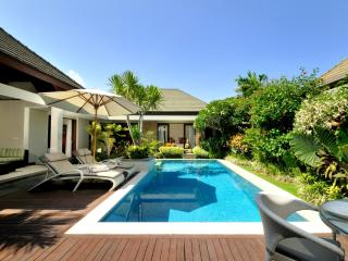 Luxury Beachfront Complex : KEJORA VILLA 7: Cool Bali Villas