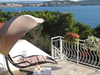 Big private terrace with grate seaview! Trogir  A1