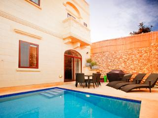 Gozo Holiday Villa in Xaghra with A/C