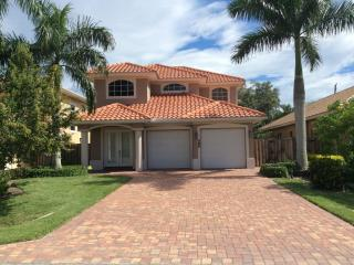 Close to the Beach, Single Family Home - Naples FL