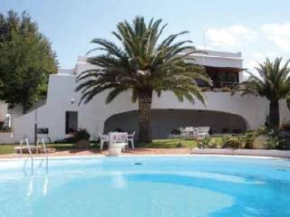 Villa with garden, swimming-pool and private beach, Brucoli