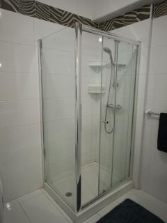Main Bedroom Ensuite Shower
