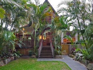 Longhouse, Byron Bay