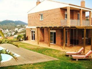 CD357- Enjoy terrace and garden!, Segur de Calafell