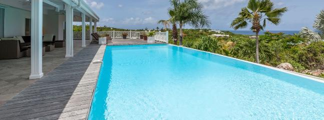 Villa Callisto 3 Bedroom SPECIAL OFFER, Terres Basses