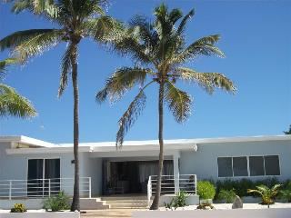 ​Exclusive ocean view villa located in the prestigious neighborhood of Malmok., Aruba