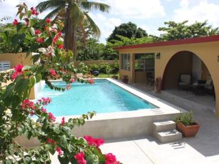 Bravos Bungalows: Family Favourite, Pool, Walk To, Île de Vieques