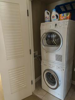 Konea 222 Includes an en-suite washer/dryer, free wifi, and free beach gear