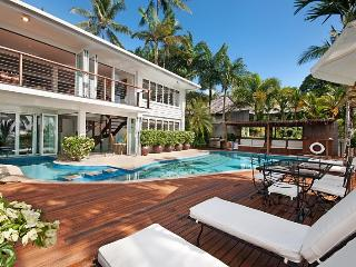Port Douglas beachfront. North facing luxury house