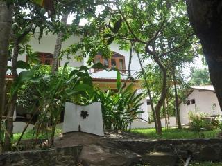 Dionis Villa: Dharma apartment, Unawatuna