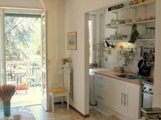 Beautiful Apartment 10 minutes from city-center, San Remo