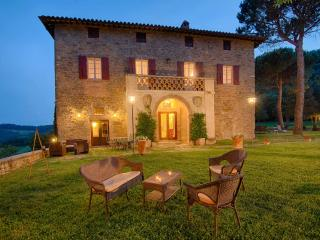 Villa with Stunning View of Umbria's hills, Preggio