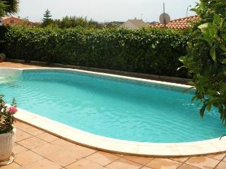 CD381 - House specially located to enjoy the sun, Roda de Bara