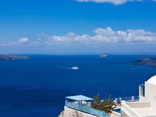 Ianthi-Luxury Villa with private pool in Santorini