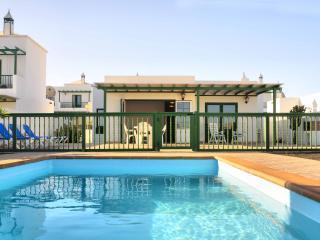 Villa Nohara Superior, piscina & Wifi, Playa Blanca