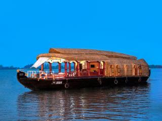 Aqua Jumbo Houseboat, Kumarakom