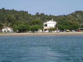 A 30 km d'Olympie, direct sur plage, Katakolo
