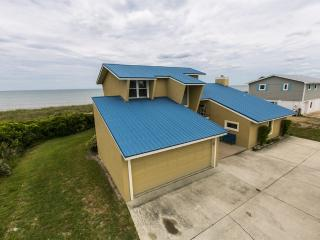 """Sandy Toes"" is a 5/3 beach house with a hot tub!, Ponte Vedra Beach"