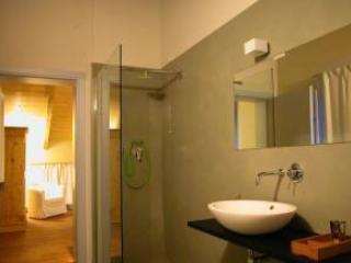 Corte Mondina - Grey Room