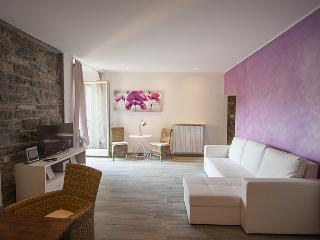 Charming romantic new in the heart of the old town, Bellagio