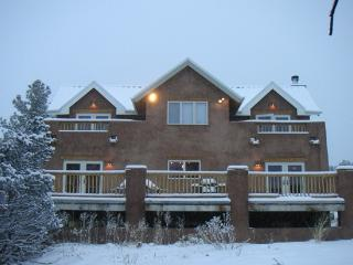 Private Luxury Home -Ski Taos or Sled at House