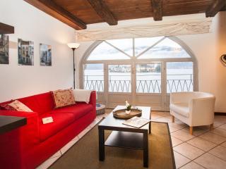 Orta San Giulio flat.  L'ISOLA