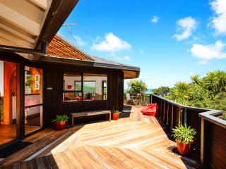 Ironsand Lodge, Piha