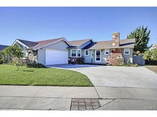 Single story 4 bed 2.5 bath house! 1900 sq ft on private cul de sac 8500 sq ft LOT! Space for 5 CARS