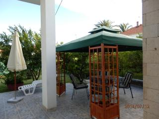Rent apartment Kairos 6 guests Trogir near Split