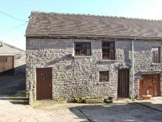 STABLE BARN, pet-friendly farm cottage, close walking and cycling, Wetton Ref