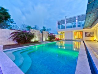 Luxury Villa - Swimming Pool - Breakfast Included