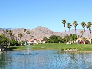 Lakeside in La Quinta Pristine 2/2 /w Amazing View