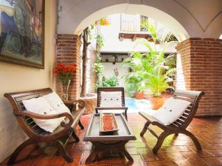 Beautiful 4 Bedroom House in Old Town, Cartagena