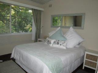 Central Townhouse - SAFE - WALK to TOWN, Stellenbosch