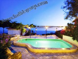 Villa Carlotta,with private pool in Sorrento Coast